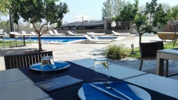 Restaurante de la piscina. Mas Passamaner (3)
